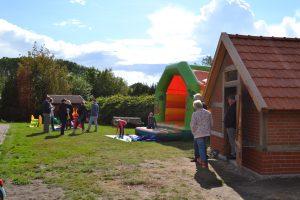 Sieverner Sommerfest Spielwiese Hüpfburg Backhaus